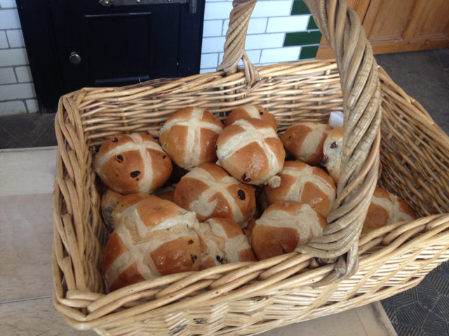 hot cross buns beamish