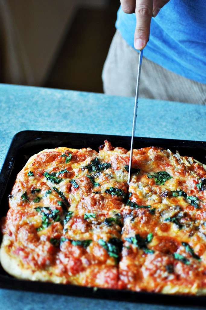 Homemade Pizza Revisited >> Life In Limbo