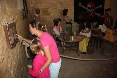 family-adventure- lifeinourvan - chateau engime - 1 (13)