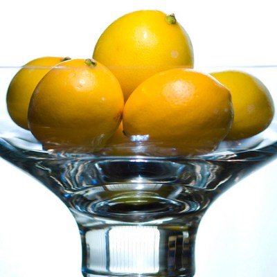 When Life Hands You Lemons….USE THEM  (10 Uses for Lemons)