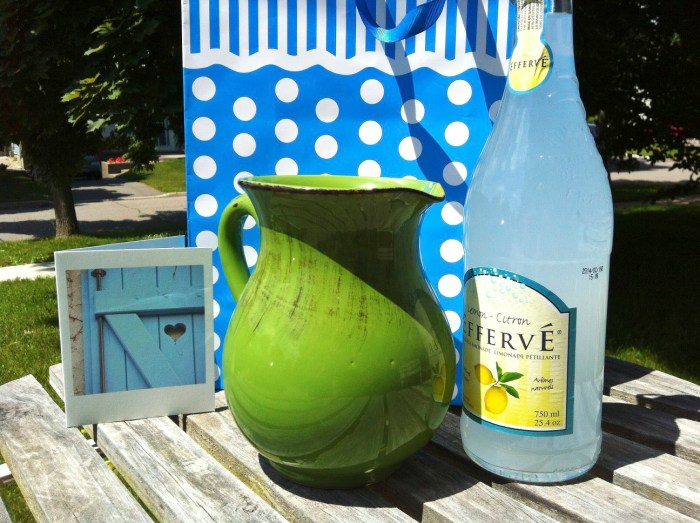 hostess gifts, summer gifts, gift ideas, planters, herbs, market baskets, pitcher, lemonade, beach mat, game set