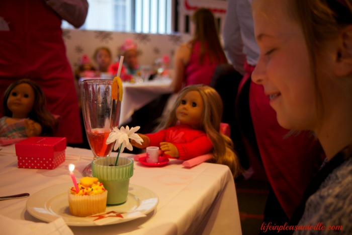American Girl, Birthday Celebration, parties, cupcakes, doll balloons