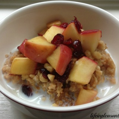 Overnight Slow Cooker Oatmeal With Warm Apple Topping