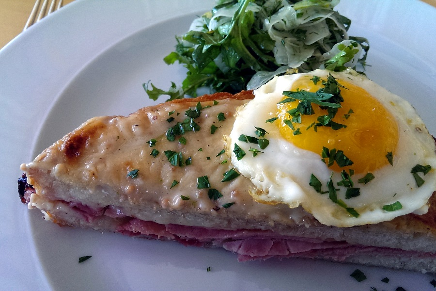 Croque Madame with Niagara Gold Cheese & Mustard Bechamel