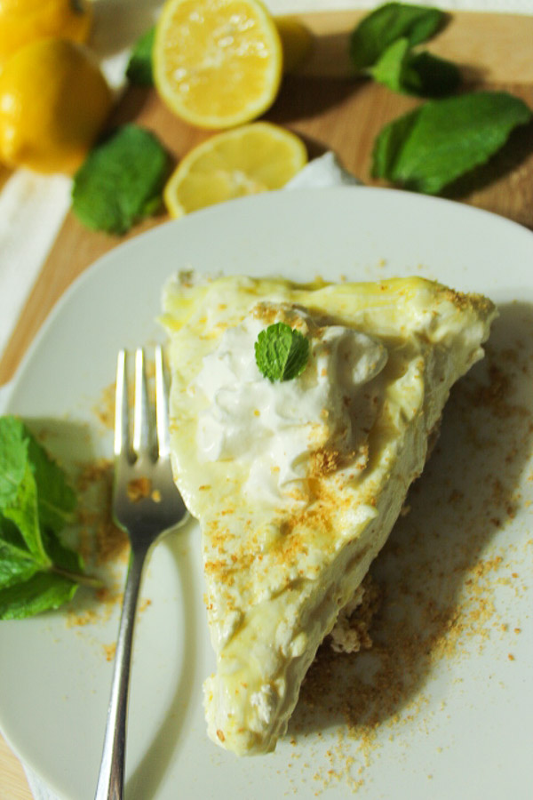 No Bake Lemon Mousee Cheesecake