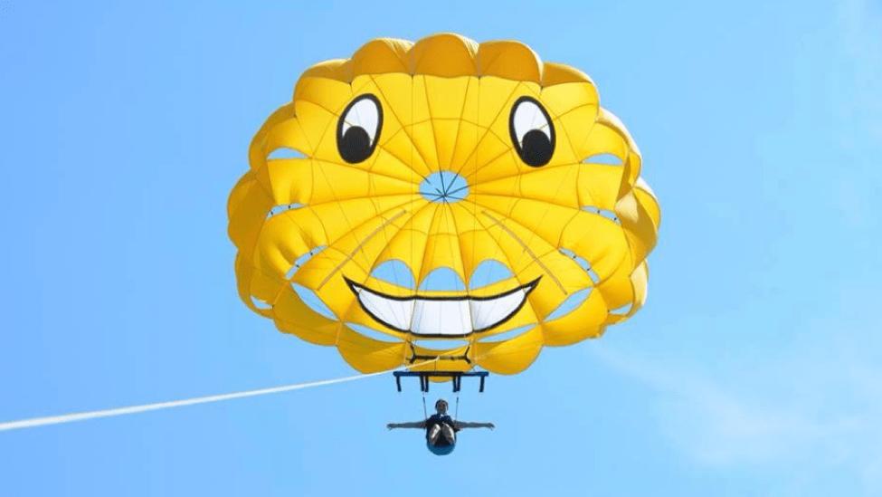 parasailing in Ontario