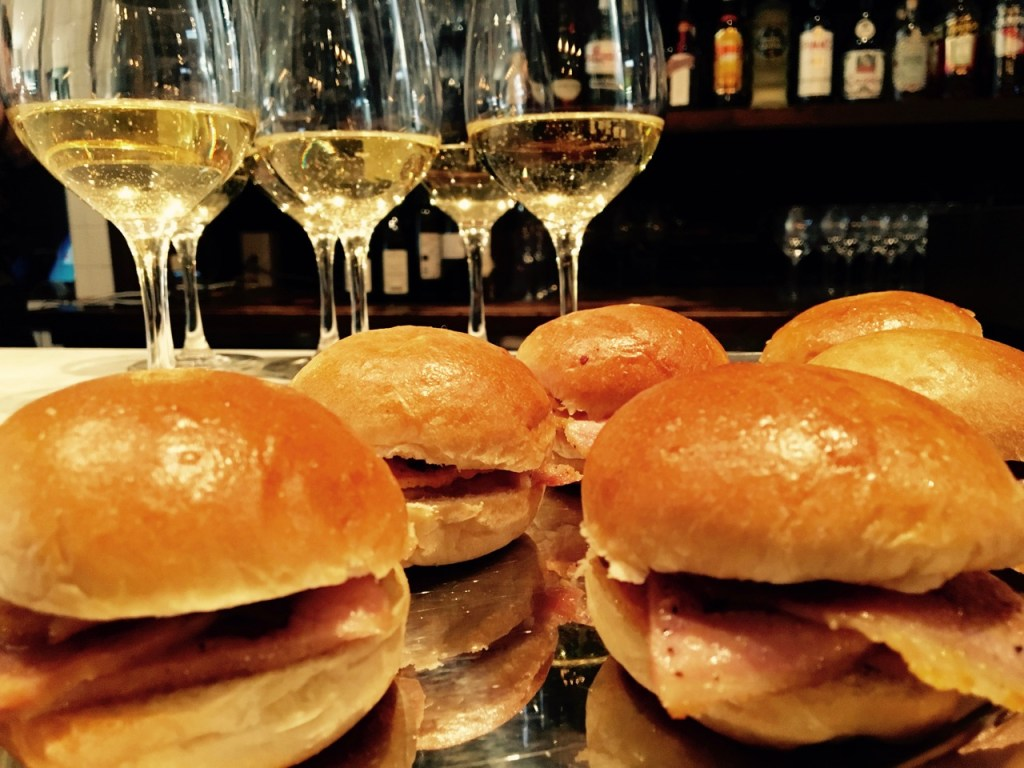 Peameal Bacon Sliders Sunwing Cafe