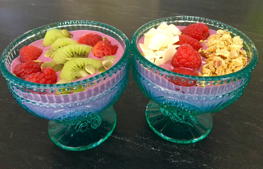 Smoothie Bowls in Pioneer Woman Bowls