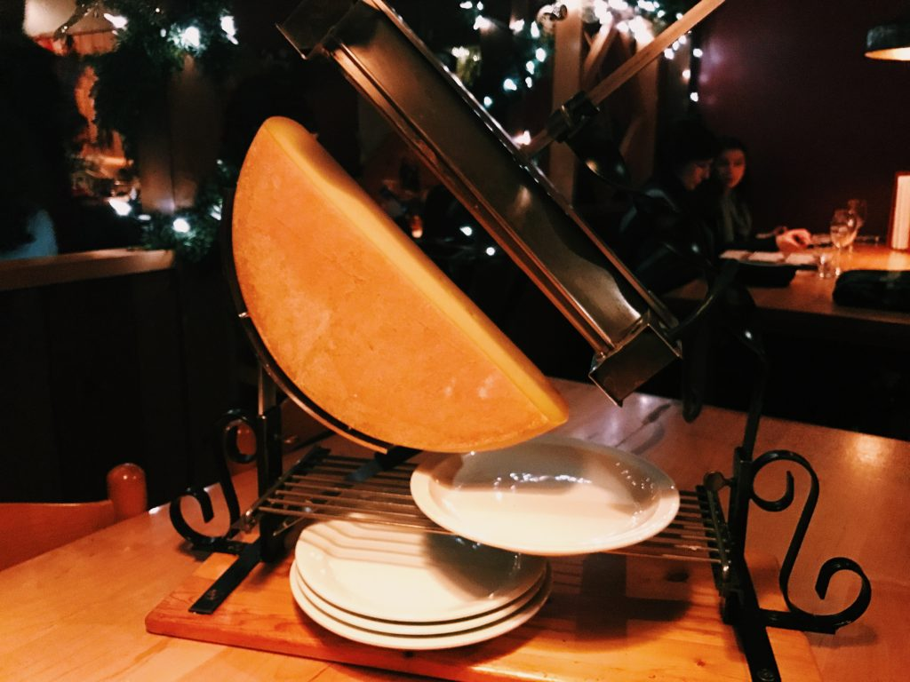 dining in tremblant, cheese, raclette, fondue