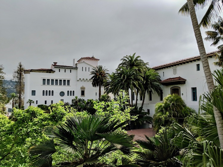 one day in Santa Barbara, Santa barbara courthouse