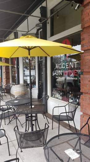 Accent on Wine's outdoor patio