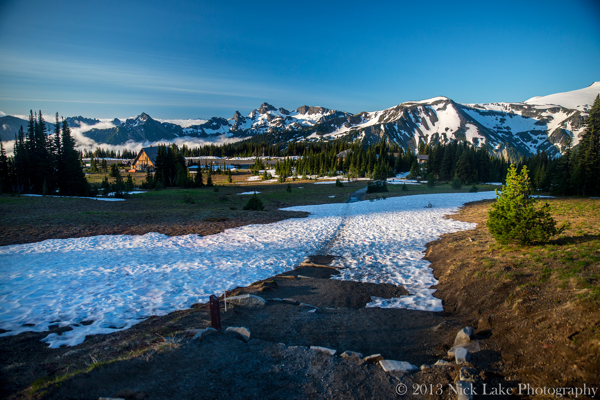 The visitor's center at Sunrise Point begins to thaw after a brisk summer night at 6500 feet