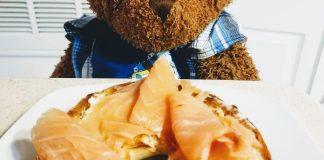salmon lox on bagel