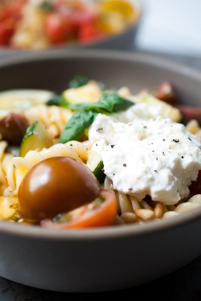 Simple Lemon Fusilli w- Zucchini, Tomatoes, & Spinach