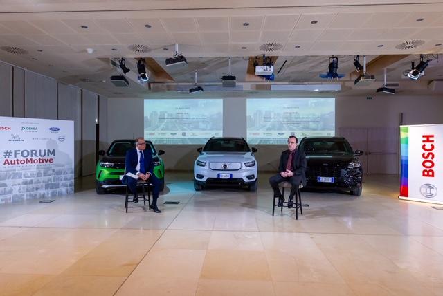 FORUMAutoMotive: come cambierà la mobilità con la rivoluzione 5 G e sull'Italia pesa il forte ritardo infrastrutturale