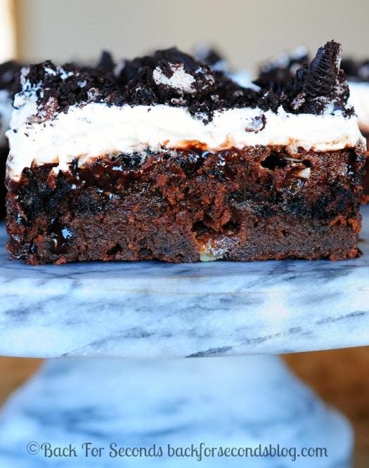 Chocolate-Cookies-and-Cream-Cake