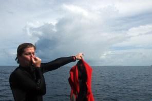 Anzug Pinkler, oder warum Tauchen auf die Blase drückt