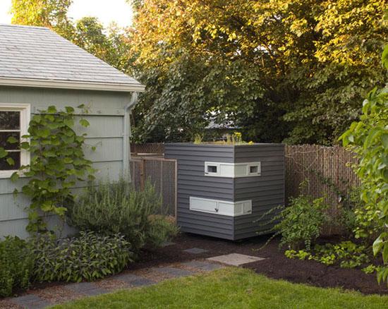 Modern Chicken Coop Via Dwell .