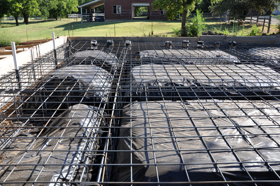 rebar and vapor barrier under slab