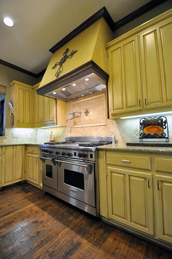 "Richard Chamberlain's Home Kitchen - 60"" range"