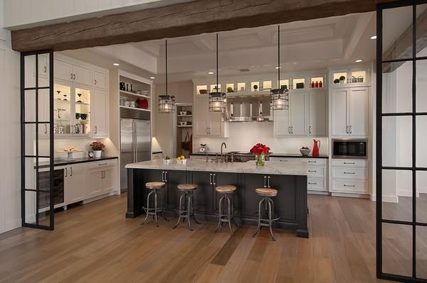 Caroline DeCesare Park Place kitchen design photo by Mark Boisclair Photography, Inc.