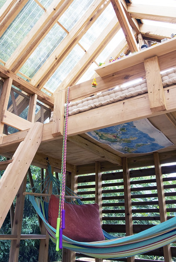Dain Playhouse Finished Interior 04