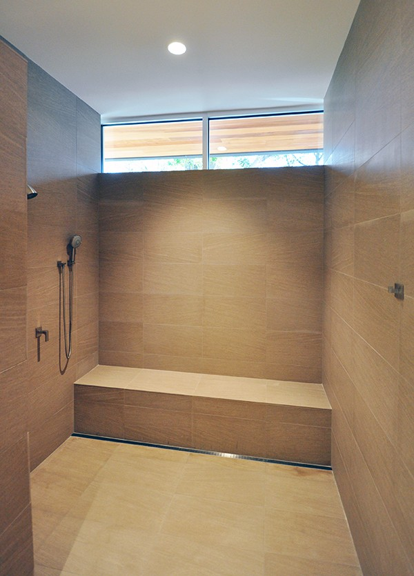 KHouse Modern Master Bathroom