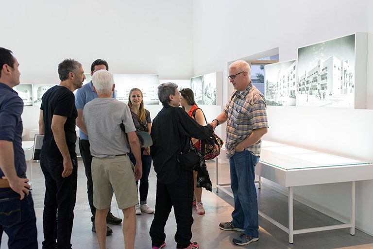 Bob Borson meeting Phyllis Lambert   photo by Or Kaplan