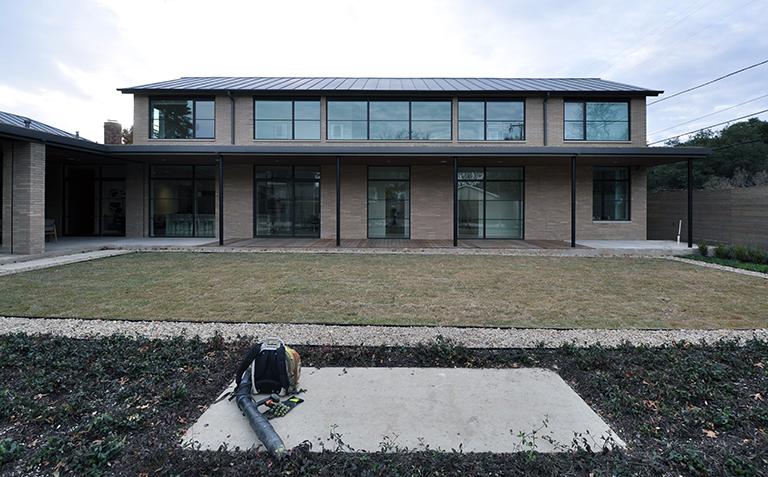 modern Ipe wood deck - Long Elevation Finished