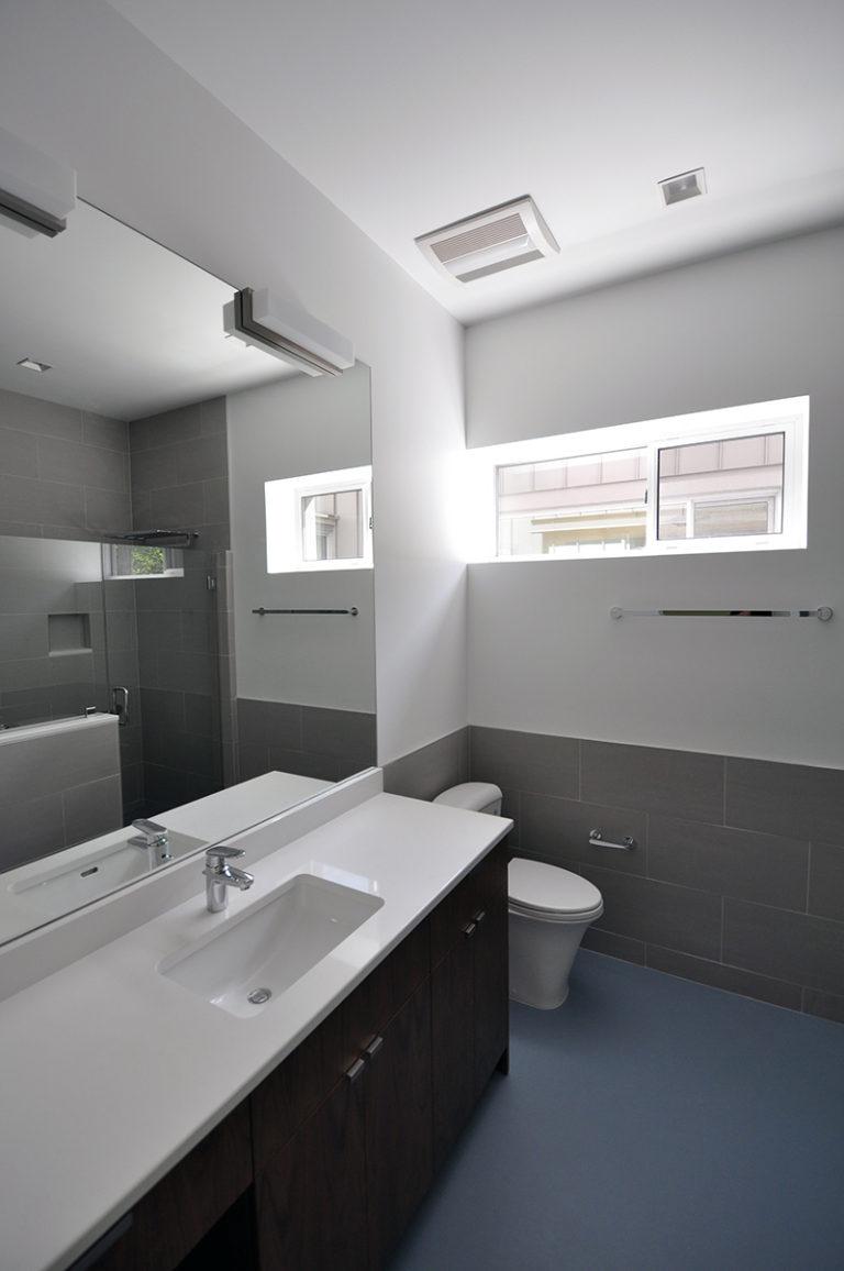 Modern Cabin Bathroom