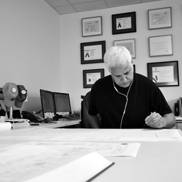 Dallas Architect Bob Borson sketching