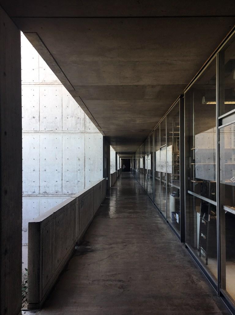 Salk Institute exterior ring and labs 02