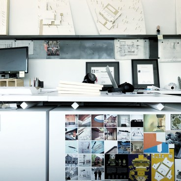 Architect's Desk - Benching System and magnets
