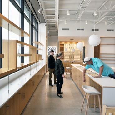 Oculus Retail Interior - by Dallas Architect Bob Borson