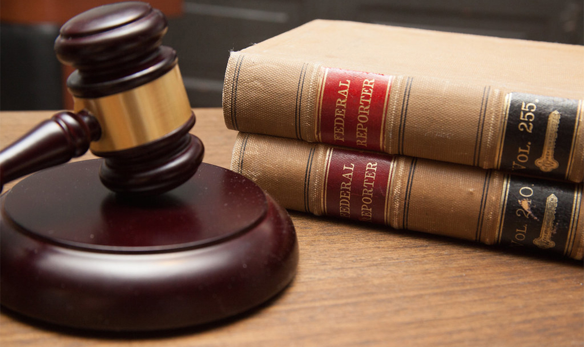 Gavel & Law Books