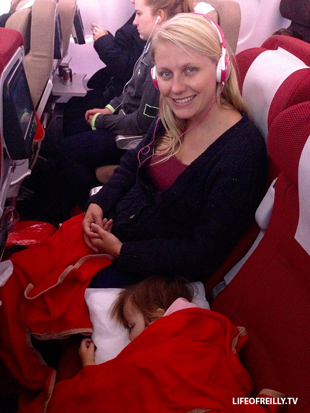 Got an Under Two on your lap for the flight? Look at the benefit of getting that middle seat!
