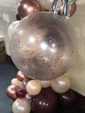 Glitter balloon.