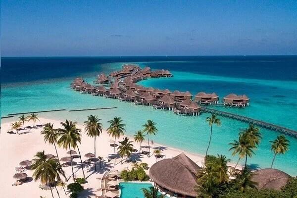 Clear Water Beaches - Halaveli Beach, Maldives