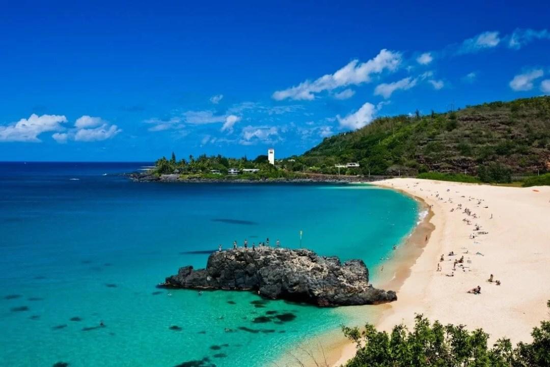 Top Clear Water Beaches - Waimea Bay Beach, O'ahu Island, Hawaii