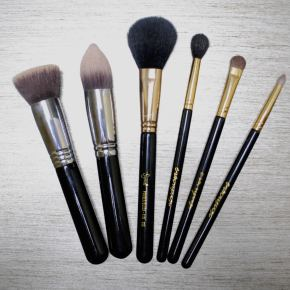 MakeUp Brush Must Haves