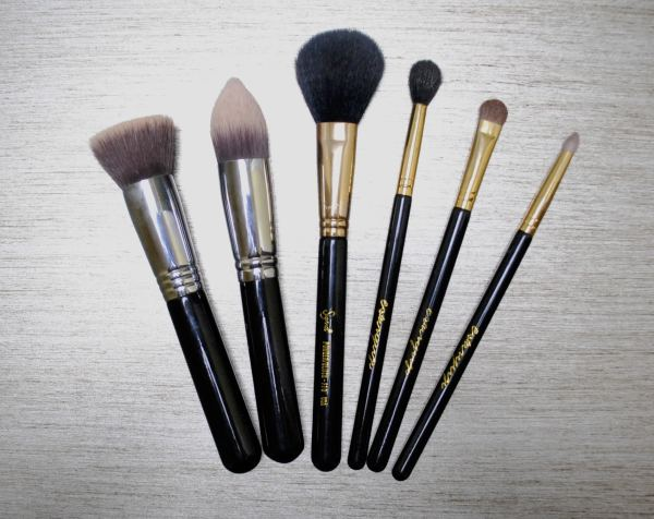 basic makeup brushes must have