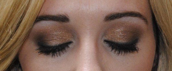 gray eyeliner