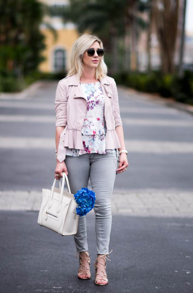 spring style, flowers in bag