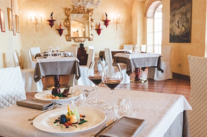 La Voliera Restaurant indoor La Bagnaia Golf & Spa