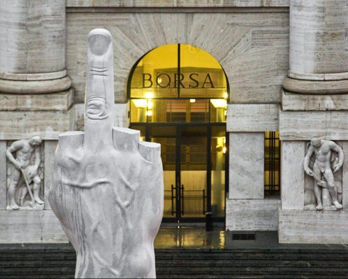 Maurizio Cattelan mostra milano