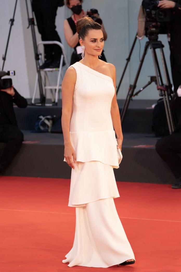 Penelope Cruz abito