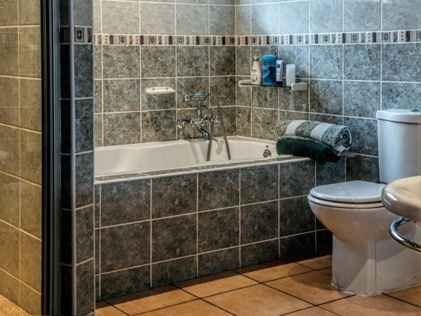 10 small bathroom ideas that will