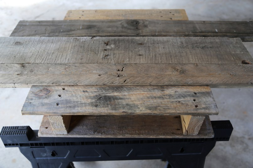 how to make a diy pallet coffee table for under $25
