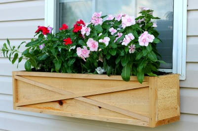 1920-cedar-window-box-tutorial