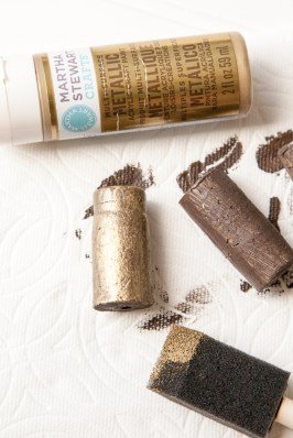 Outdoor Fall Decorating Ideas - gold brown paint brush wine cork diy painting